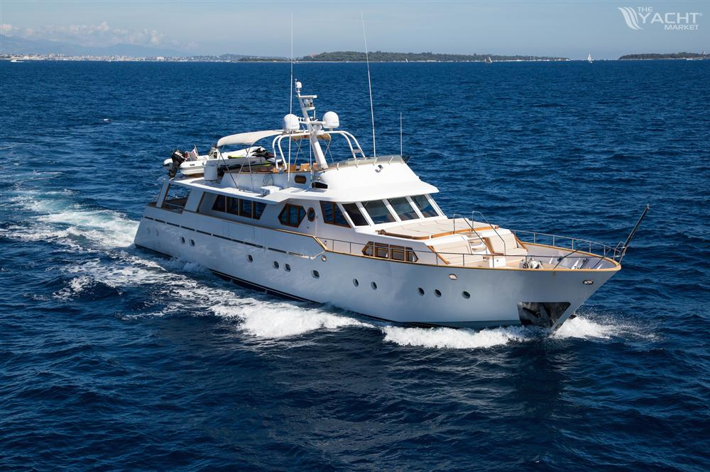 benetti classic boat for charter 1975 theyachtmarket