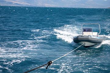 articles - why boats get towed and how to prevent it