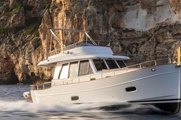 articles - exclusive uk launch of sasga menorquin 42 flybridge