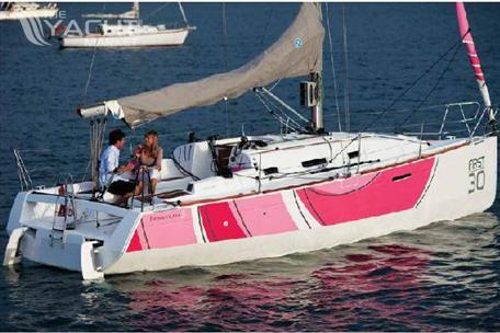 Beneteau First 30 - Manufacturer Provided Image