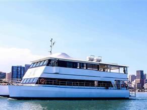 FLOATING RESTAURANT / EVENT BOAT