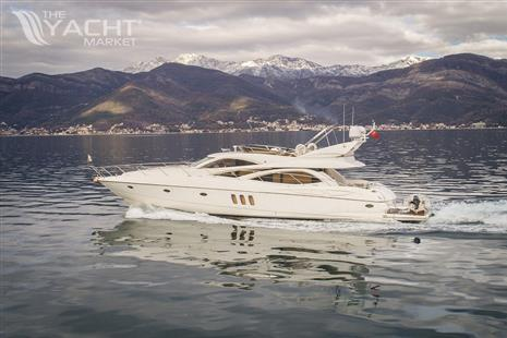 Sunseeker Manhattan 64 - Exterior Sunseeker Manhattan 64