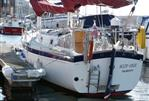 Freedom 30 - Freedom 30 - Stern & Starboard Side Profile