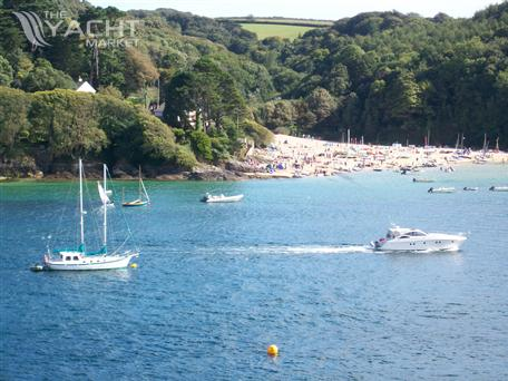 Salcombe flyer wanted for cash/brokerage