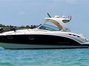 Chaparral 330 Signature Cruiser