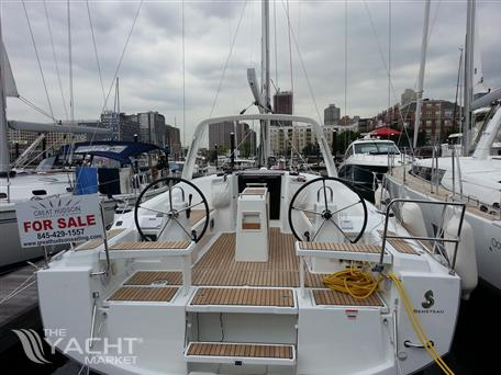 Beneteau Oceanis 38 - Photo 0
