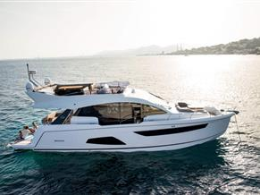 Sealine F530with standard options Price excludes IVA, transport & commissioning fees