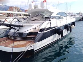 PERSHING 50 perfect sport boat only 400 hours